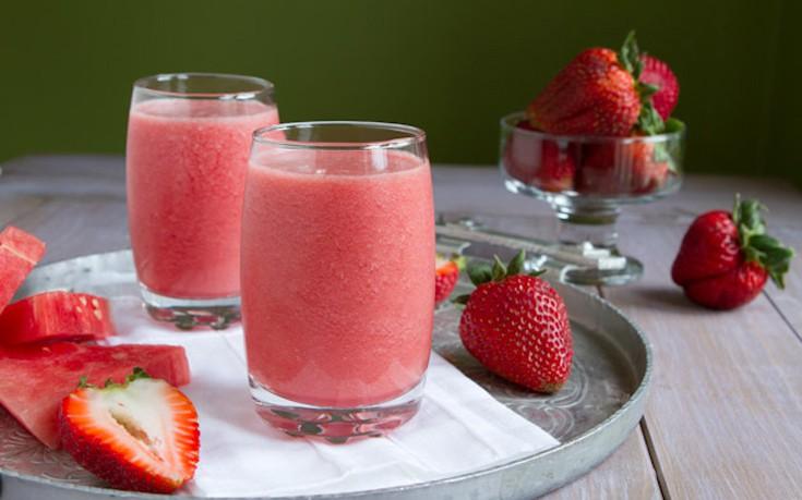 Smoothie με καρπούζι και φράουλες