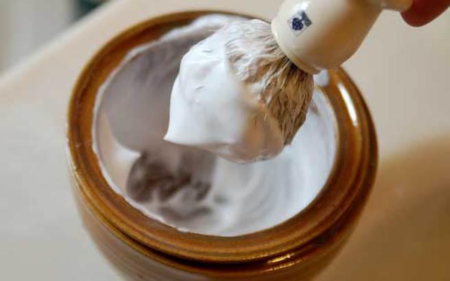 Τέσσερις εναλλακτικές χρήσεις της κρέμας ξυρίσματος