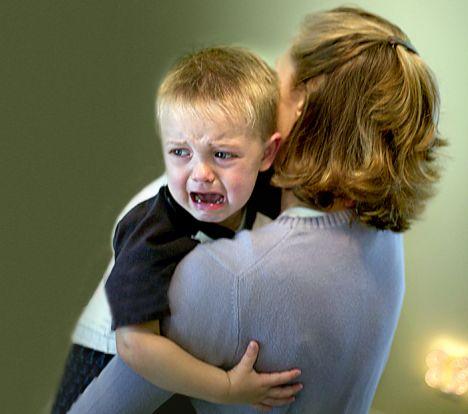 Αποτέλεσμα εικόνας για toddler crying in moms lap