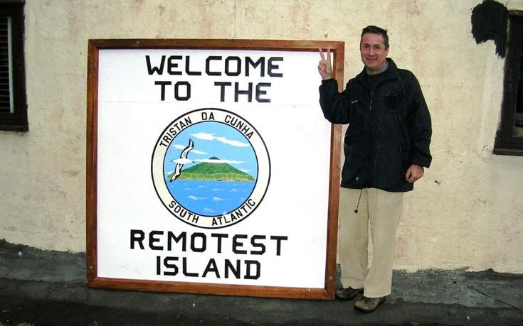 Το 2007 επισκέφθηκε το νησί Tristan da Cunha