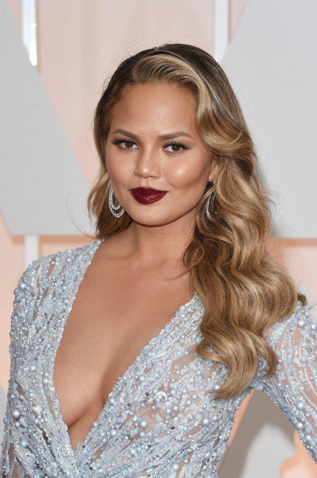 chrissy teigen academy awards red carpet best hair and makeup