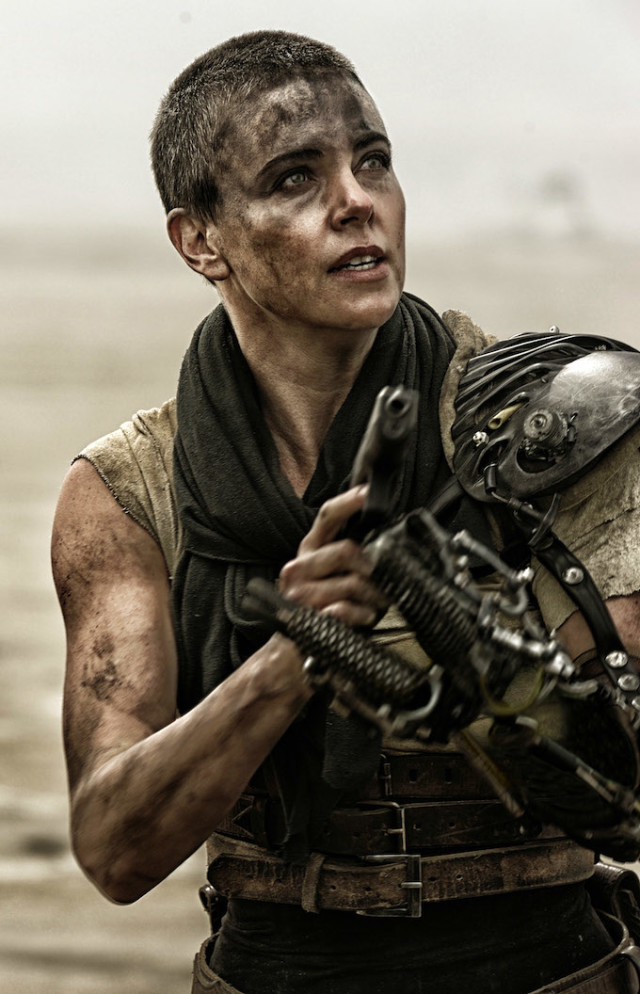 mad max fury road charlize theron tom hardy ds 00340r 640x994