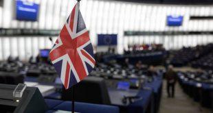 Το Λονδίνο επιμένει σε αλλαγές στη Συμφωνία για να αποφευχθεί ένα «no-deal Brexit»