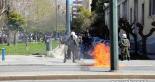 Στο Πολυτεχνείο μεταφέρθηκαν τα επεισόδια στο κέντρο της Αθήνας