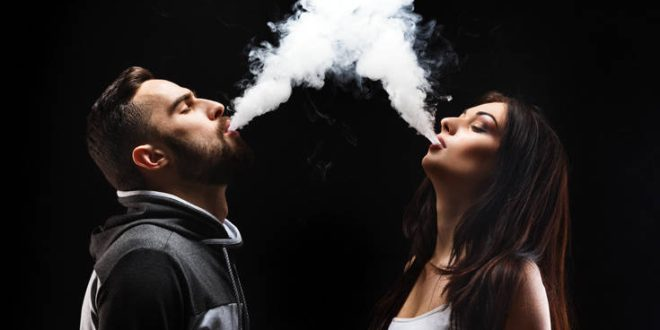 Γιατί να κόψετε το κάπνισμα μαζί με το ταίρι σας