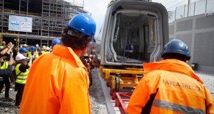 ΝΔ για Μετρό Θεσσαλονίκης: Εγκαινίασαν τέσσερα βαγόνια χωρίς σταθμό