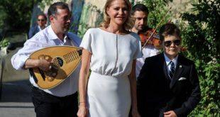 Παντρεύτηκαν Βασίλης Κικίλιας και Τζένη Μπαλατσινού