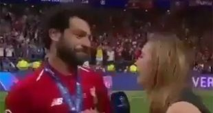 Champions League: Ο Σαλάχ «στράβωσε» γιατί νόμιζε ότι μια δημοσιογράφος θα τον φιλήσει