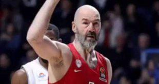 Βασίλης Σπανούλης: Τον τρολάρει η σύζυγός του επειδή θα... γεράσει στον Ολυμπιακό