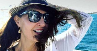 Οι καλοκαιρινές διακοπές της Νία Βαρντάλος στην Ελλάδα
