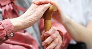 Το 24% των ηλικιωμένων στην Ελλάδα ζει μόνο