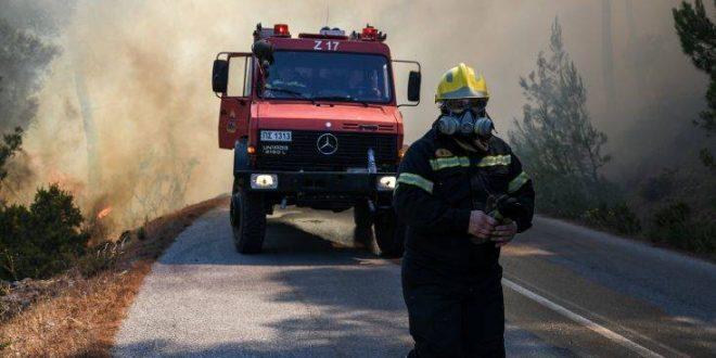 Με εγκαύματα στα χέρια θα χειρουργηθεί ο πυροσβέστης που τραυματίστηκε στην Εύβοια