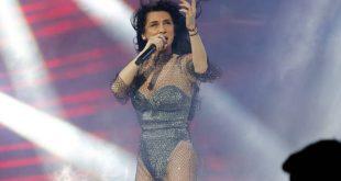 Η Πάολα τραγούδησε Μίκη Θεοδωράκη και το κοινό τη χειροκρότησε θερμά
