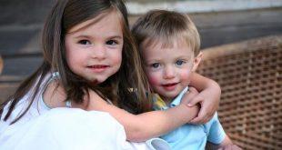 Πώς τα μεγαλύτερα αδέλφια επηρεάζουν τις γλωσσικές επιδόσεις των μικρότερων