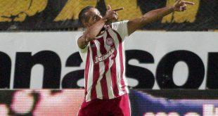 Ελ Αραμπί: Ο επιθετικός που κάνει γκολ τη μια στις δύο ευκαιρίες