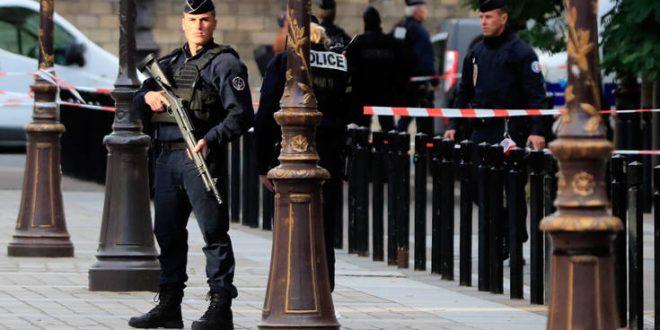 Επίθεση με μαχαίρι στο Παρίσι: Αντιτρομοκρατική μονάδα έχει αναλάβει την έρευνα