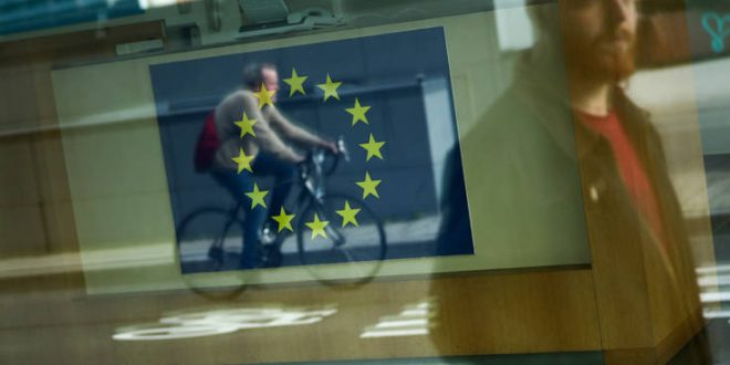 Συνεχίζονται οι διαβουλεύσεις για το Brexit, ο Μπαρνιέ ενημερώνει σήμερα τους Ευρωπαίους υπουργούς