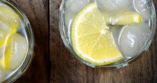 Είναι το νερό με λεμόνι πράγματι ευεργετικό για την υγεία;