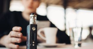 «Ένοχες» οι διαφημίσεις που οι νέοι επιλέγουν τα ηλεκτρονικά τσιγάρα