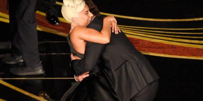 Η Lady Gaga αποκαλύπτει την αλήθεια για τον έρωτα με τον Μπράντλεϊ Κούπερ