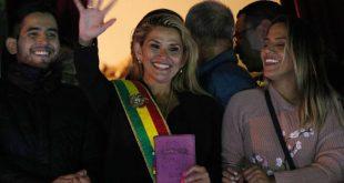 Η νέα κυβέρνηση της Βολιβίας αναγνωρίζει τον Γκουαϊδό ως πρόεδρο της Βενεζουέλας