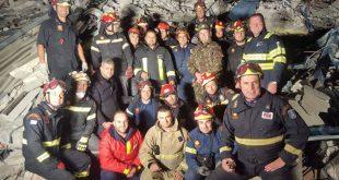 Φονικός σεισμός στην Αλβανία: Αυτοί είναι οι Έλληνες που σώζουν ζωές