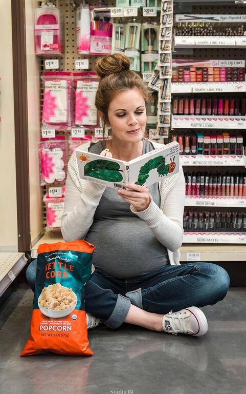 Μαμά φωτογραφήθηκε έγκυος δείχνοντας πώς είναι να έχεις λιγούρες (pics)