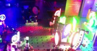 Ο εκτυπωτής που δημιουργεί ρεαλιστικά 3D έγχρωμα ολογράμματα