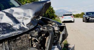 Σοβαρό τροχαίο με τέσσερις τραυματίες στην Εύβοια