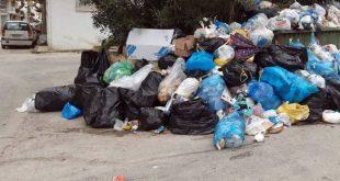 Γεμίζουν με σκουπίδια οι κάδοι στη Ζάκυνθο