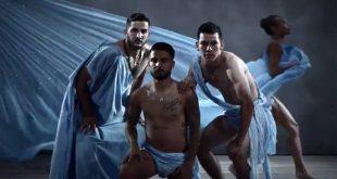 Νάπολι: Ημίγυμνος ο Μανωλάς για το νέο ημερολόγιο της ομάδας