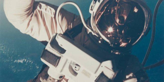 Στο σφυρί αυθεντικές φωτογραφίες από τις αποστολές για την κατάκτηση της Σελήνης