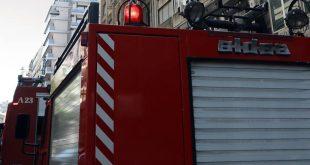 Υπό έλεγχο η φωτιά σε μονοκατοικία στη Βουλιαγμένη