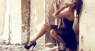 Η Μαρία Κορινθίου αποχαιρέτησε τη δεκαετία ως σέξι Αγιοβασιλίτσα