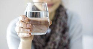Τρία πράγματα που θα συμβούν στον οργανισμό σου αν πίνεις περισσότερο νερό