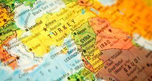 Bloomberg: «Κίνδυνος για θερμό επεισοδίο μεταξύ Ελλάδας – Τουρκίας στη Μεσόγειο»