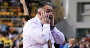 Προπονητής Προμηθέα προς διαιτητή του τελικού: Ντροπή σου ξεφτίλα