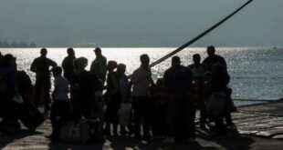 Εβδομαδιαία δρομολόγια επιστροφής προσφύγων προανήγγειλε ο Μηταράκης