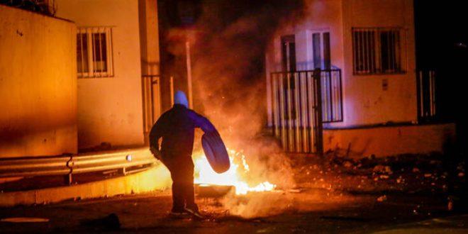 Το χρονικό των συγκρούσεων διαδηλωτών και αστυνομικών στη Μυτιλήνη
