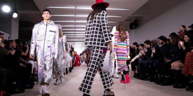Θύμα του κορονοϊού η Εβδομάδα Μόδας του Λονδίνου: Ελάχιστοι Κινέζοι και αξεσουάρ το... αντισηπτικό χεριών