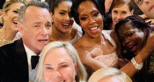 Η selfie της Σαρλίζ Θερόν από τη βραδιά των Όσκαρ που έκρυβε πολλές λεπτομέρειες