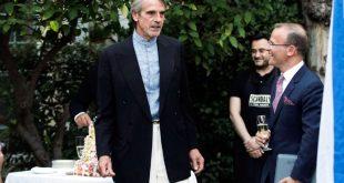 Ο Τζέρεμι Άιρονς άλλαξε γνώμη για γάμους ομοφυλόφιλων, εκτρώσεις και σεξουαλική παρενόχληση