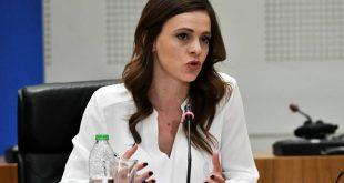 Αχτσιόγλου: «Επιμένει η κυβέρνηση στις απολύσεις και τις μειώσεις μισθών στο 50%»