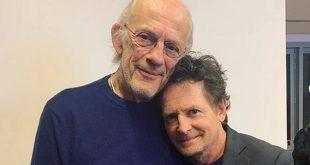 Μάικλ Τζ. Φοξ και Κρίστοφερ Λόιντ σε μία φωτογραφία που συγκίνησε το διαδίκτυο