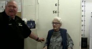 Έκανε το όνειρό της πραγματικότητα, γιορτάζοντας τα 100ά της γενέθλια στη φυλακή
