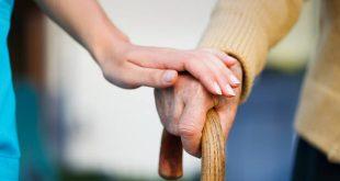 Κορονοϊός: Τι πρέπει να κάνουμε για τους ηλικιωμένους