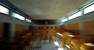 Κορονοϊός: Για εμπαιγμό κατηγορούν οι δικηγόροι την κυβέρνηση