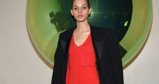 Vogue Russia: H Hiandra Martinez στο εξώφυλλο του νέου τεύχους