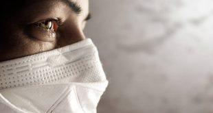 Νεαρή Ιταλίδα γιατρός που νίκησε τον καρκίνο φροντίζει πάσχοντες από κορονοϊό