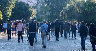 Εκατοντάδες Αθηναίοι βγήκαν από το σπίτι και απόλαυσαν τη βόλτα τους